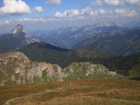 Foto: Wolfgang Dröthandl / Wander Tour / Von Wald am Schoberpaß auf den Leobner / Links Lugauer, Mitte Kalte Mauer und davor Hochblaser, rechts Kaiserschildgruppe / 12.09.2016 15:42:31