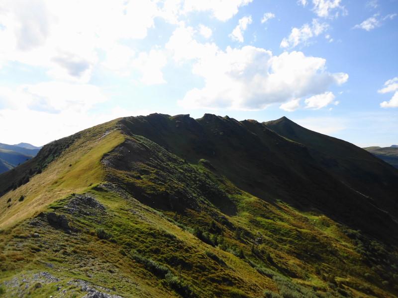 Foto: Günter Siegl / Wander Tour / Von der Gamperhütte auf den Kreuzkogel / Kammverlauf zum Hainzl-Wasserkogel (rechte Spitze) / 11.09.2015 21:09:28