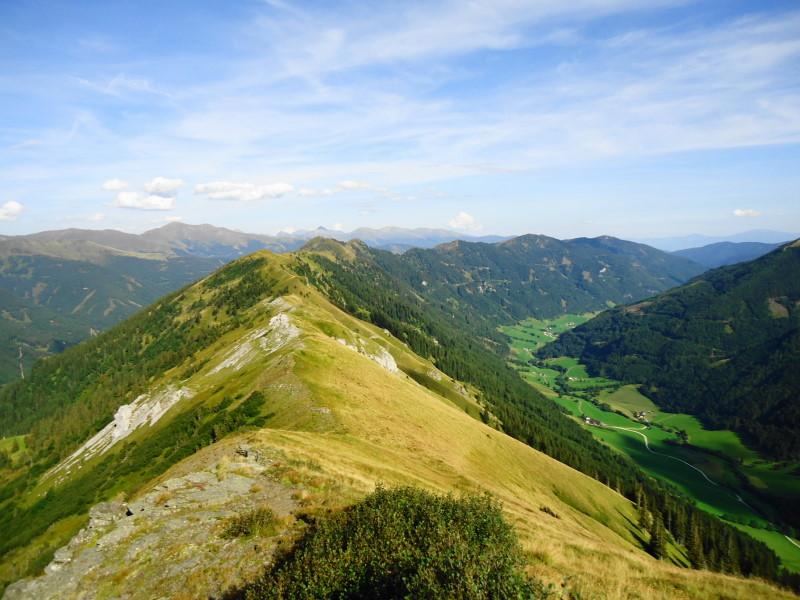 Foto: Günter Siegl / Wander Tour / Von der Gamperhütte auf den Kreuzkogel / Rückblick Kammverlauf / 11.09.2015 21:08:55