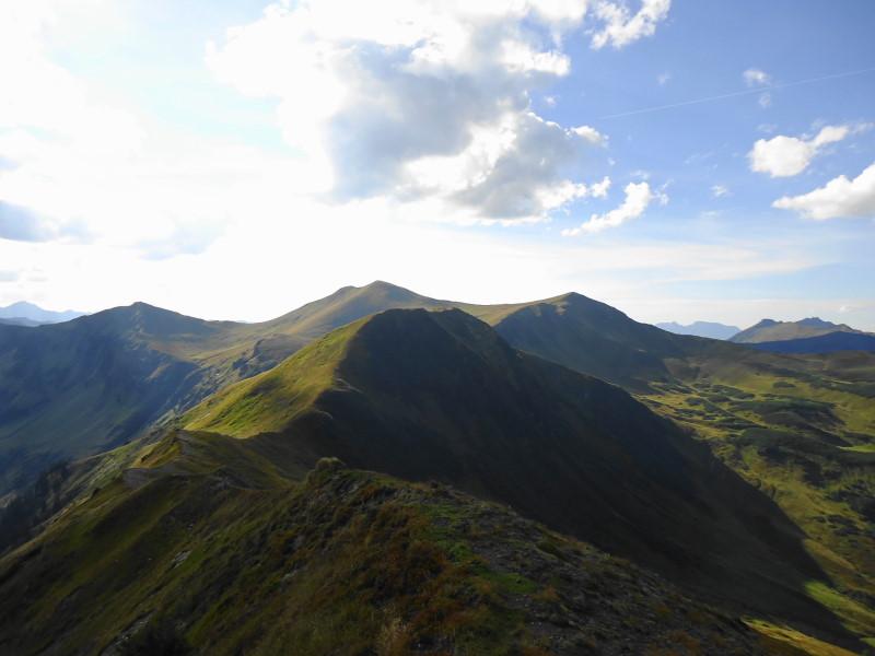 Foto: Günter Siegl / Wander Tour / Von der Gamperhütte auf den Kreuzkogel / Kote 2033, rechts Kreuzkogel / 11.09.2015 21:06:43