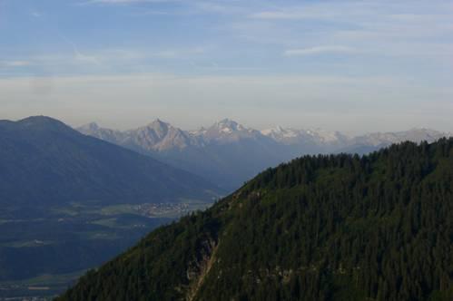 Foto: Thomas Paschinger / Wander Tour / Kleiner und Großer Bettelwurf / Richtung Stubai: Pflerscher Tribulaun, Serles, Habicht, Stubaier Gletscher (v. l nach r.) / 25.07.2009 13:54:46