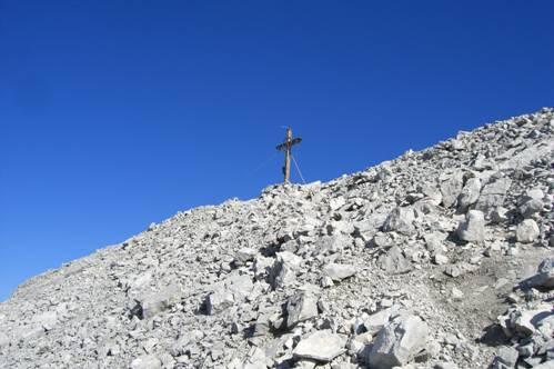 Foto: Thomas Paschinger / Wander Tour / Kleiner und Großer Bettelwurf / Gipfelkreuz Kleiner Bettelwurf (2650m) / 25.07.2009 13:55:50