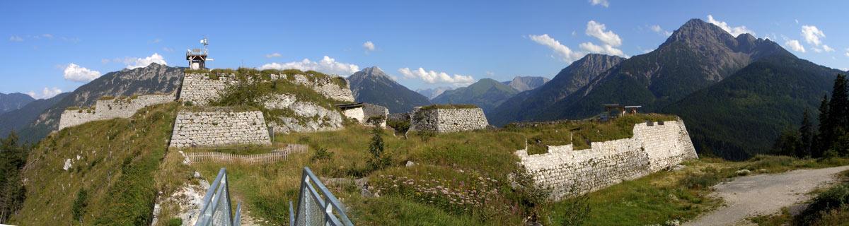 Foto: tomy37 / Wander Tour / Burgenrunde hoch über dem Talkessel von Reutte / Festung Schlosskopf / 19.08.2009 18:59:55