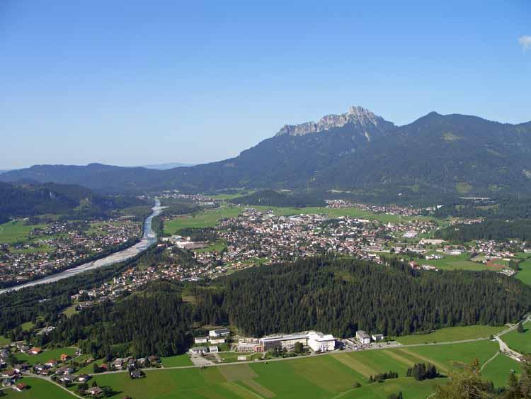 Foto: tomy37 / Wander Tour / Burgenrunde hoch über dem Talkessel von Reutte / Reutte / 19.08.2009 18:59:01