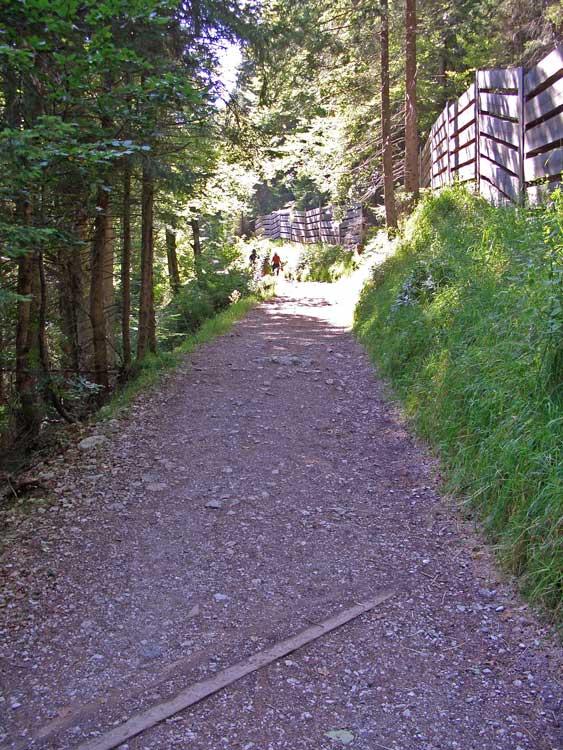 Foto: tomy37 / Wander Tour / Burgenrunde hoch über dem Talkessel von Reutte / 19.08.2009 19:08:50