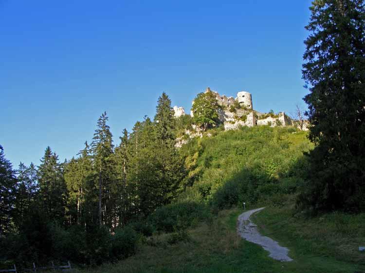 Foto: tomy37 / Wander Tour / Burgenrunde hoch über dem Talkessel von Reutte / Ruine Ehrenberg / 19.08.2009 18:49:26