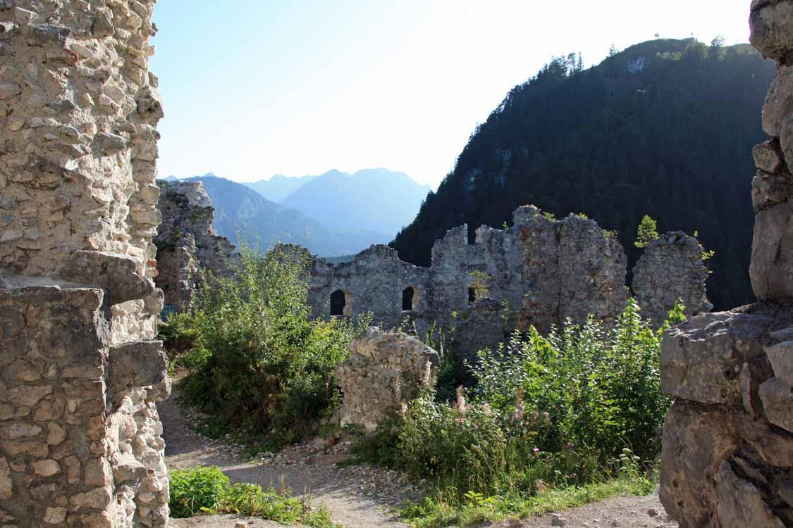 Foto: tomy37 / Wander Tour / Burgenrunde hoch über dem Talkessel von Reutte / Ruine Ehrenberg / 19.08.2009 18:48:09