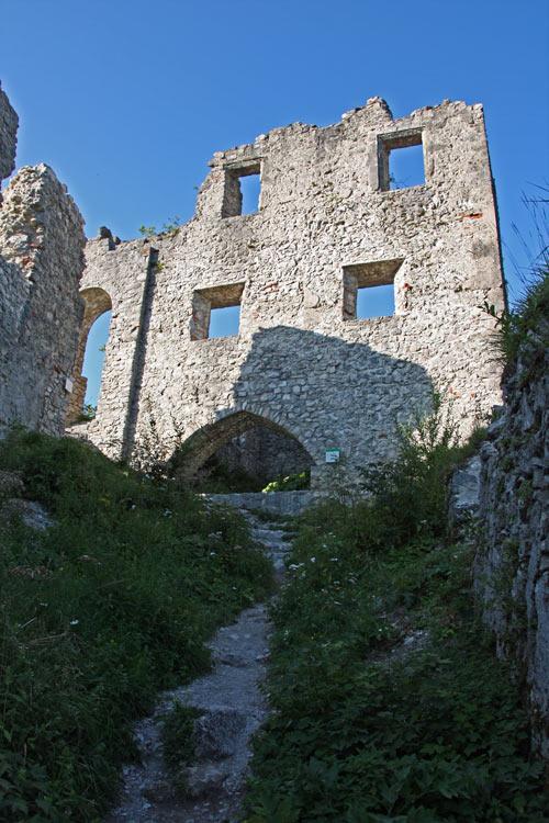 Foto: tomy37 / Wander Tour / Burgenrunde hoch über dem Talkessel von Reutte / Ruine Ehrenberg / 19.08.2009 18:47:23