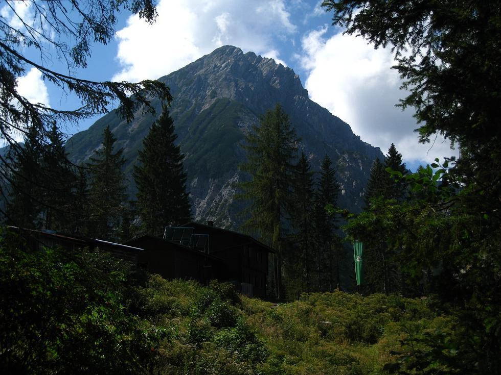 Foto: Martin Liga / Wander Tour / Über die Bertahütte auf den Mittagskogel / Blick über die Bertahütte zum Mittagskogel. / 31.08.2008 11:54:40