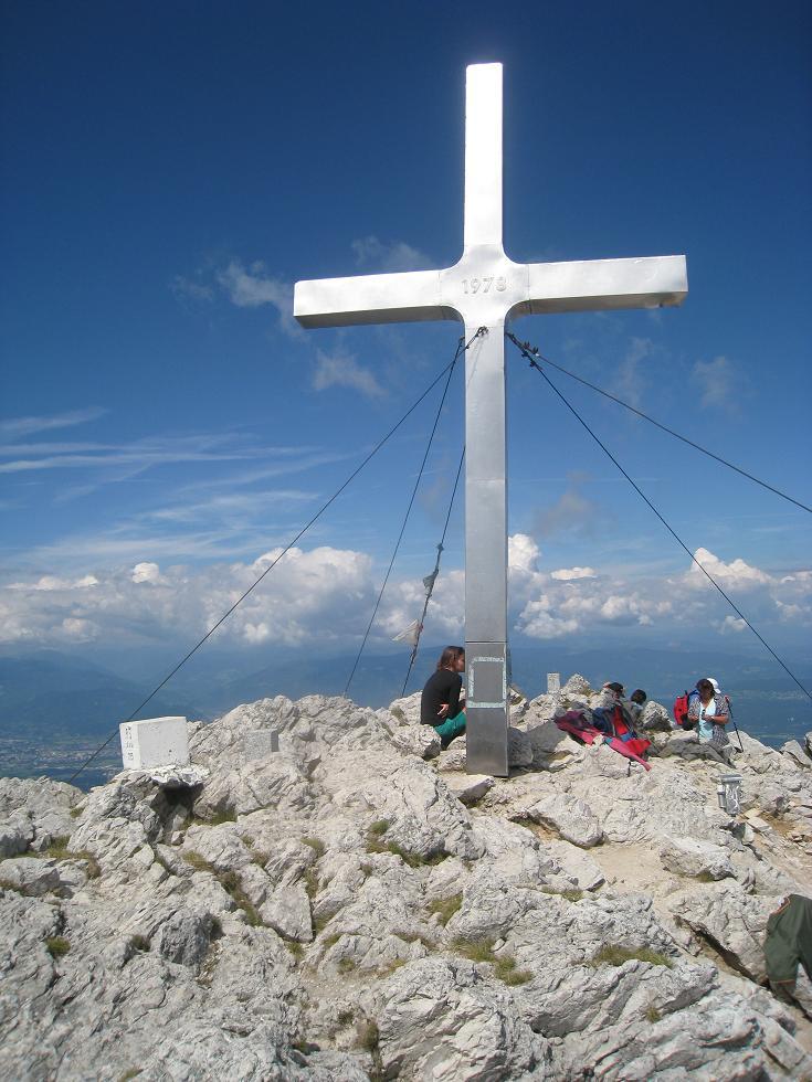 Foto: Martin Liga / Wander Tour / Über die Bertahütte auf den Mittagskogel / Gipfelkreuz Mittagskogel. / 31.08.2008 11:57:36