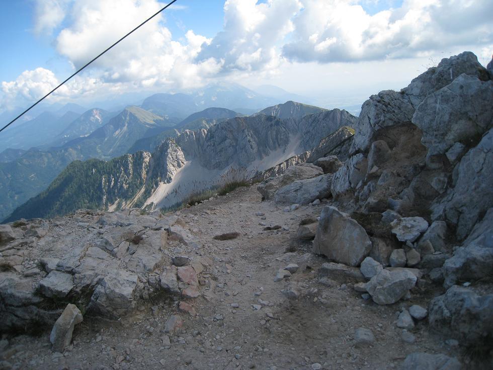 Foto: Martin Liga / Wander Tour / Über die Bertahütte auf den Mittagskogel / Gipfelkreuz Mittagskogel. / 31.08.2008 11:57:45