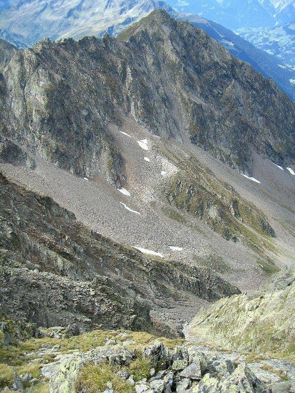 Foto: Lukas N. / Wander Tour / Westliche Eisentalerspitze / Aufstiegsroute aus dem Senniloch, auf der Gegenseite die Silbertaler Lobspitze / 06.02.2010 20:05:38