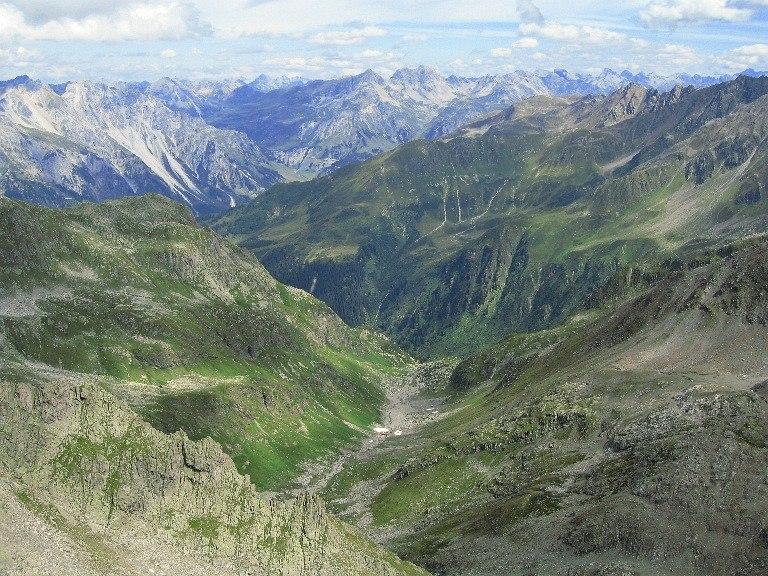Foto: Lukas N. / Wander Tour / Westliche Eisentalerspitze / Abstieg über das Eisental Richtung Nenzigast. / 06.02.2010 20:10:38