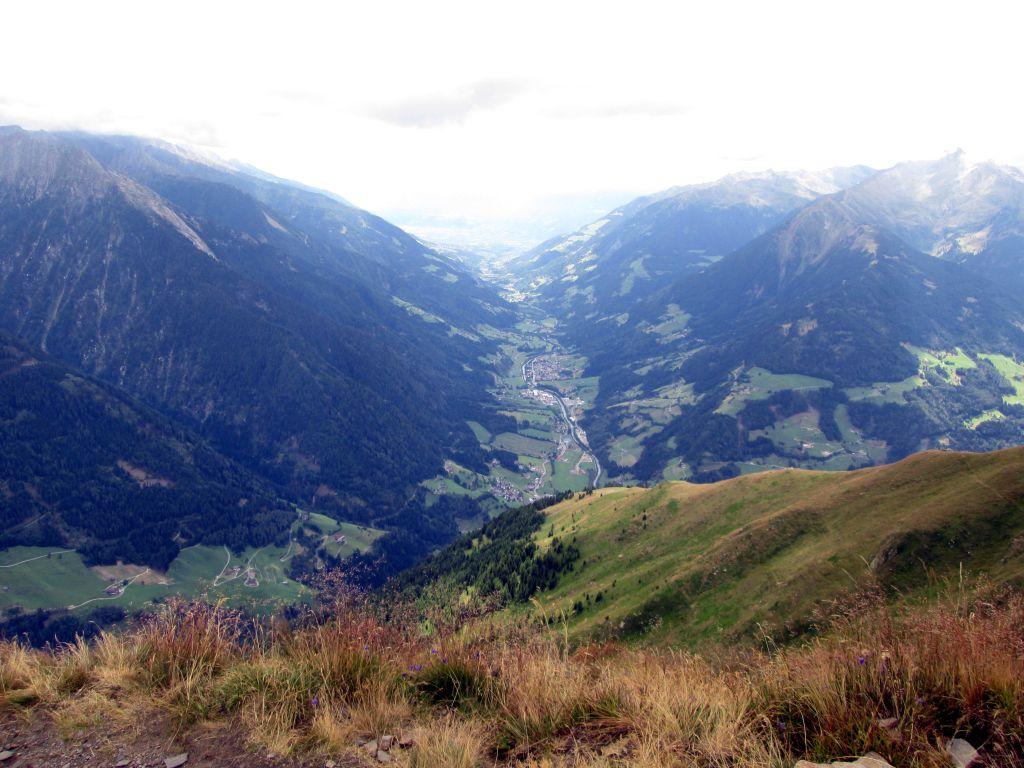 Foto: Ingo Gräber / Wander Tour / Vom Jaufenpass  auf Saxner und Fleckner  / Blick ins Passeiertal / 13.11.2015 17:36:11