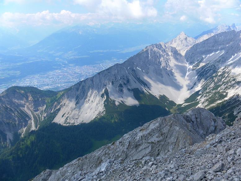 Foto: Wolfgang Lauschensky / Wander Tour / Aus dem Halltal auf die Speckkarspitze / Halltal vor Inntal / 02.07.2017 13:56:00