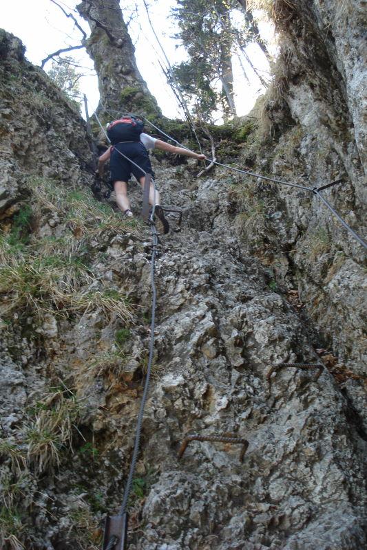 Foto: Günter Siegl / Wander Tour / Vom Franzl im Holz auf den Katzenstein / Etwas Ferrata-Feeling auf dem Weg zur Scharte... / 24.04.2011 17:32:00