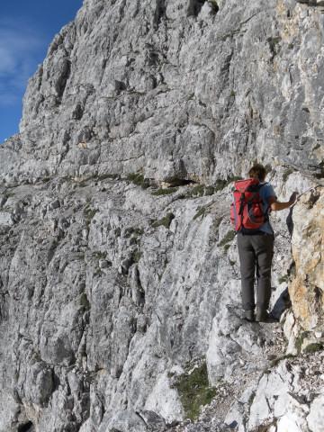 Foto: Wolfgang Lauschensky / Wander Tour / Monte Pelmo / schmales spärlich gesichertes Ballband / 01.07.2011 20:58:13