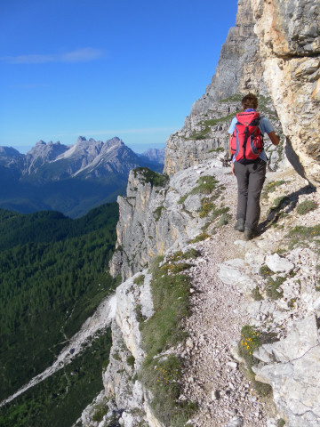 Foto: Wolfgang Lauschensky / Wander Tour / Monte Pelmo / Pfad in exponierter Lage / 01.07.2011 20:58:01