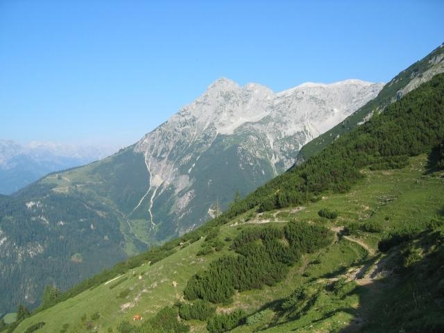 Foto: elipes / Ski Tour / Eiskogel, 2321m - über die Tauernscharte / Blick am Aufstiegsweg zum Hochthron / 02.08.2009 21:11:45