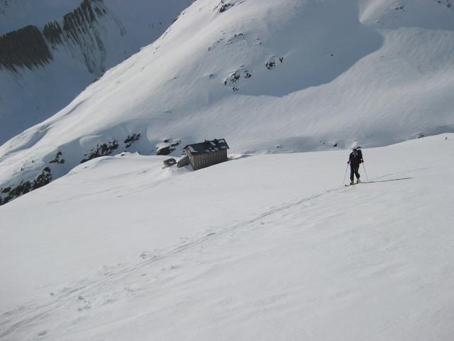 Foto: Wolfgang Lauschensky / Skitour / Kreuzspitze, 3455m - über die Südostflanke / über der Martin Busch Hütte / 05.02.2012 15:17:00