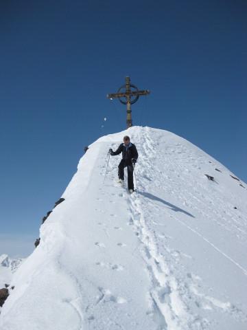 Foto: Wolfgang Lauschensky / Skitour / Kreuzspitze, 3455m - über die Südostflanke / Gipfelabstieg / 05.02.2012 15:15:30