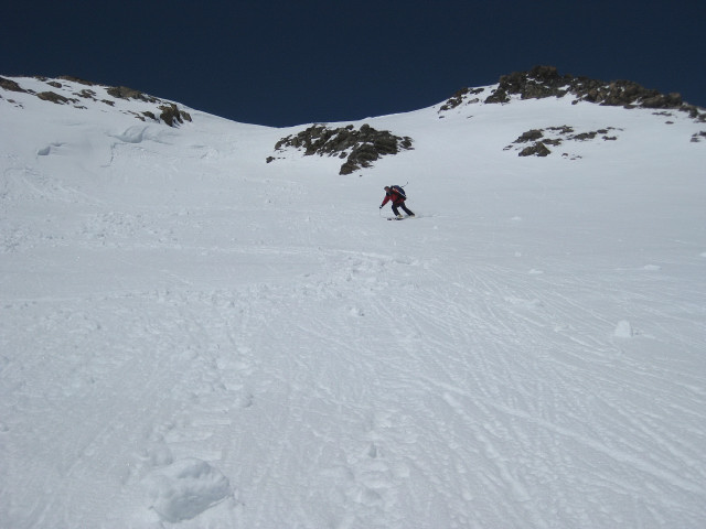 Foto: Wolfgang Lauschensky / Skitour / Kreuzspitze, 3455m - über die Südostflanke / Aprilpulver an schönen Firnhängen / 05.02.2012 15:15:22