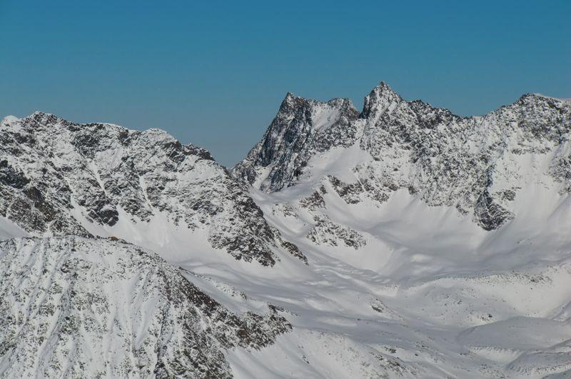 Foto: Thomas Paschinger / Skitour / Kuhscheibe, 3189m  / Hintere Brunnenkogel (3225m, der spitzige Gipfel) / 12.02.2010 15:47:49