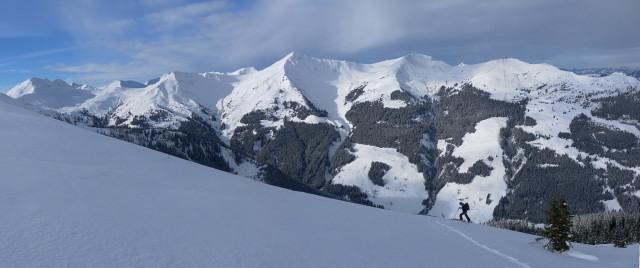 Foto: Wolfgang Lauschensky / Ski Tour / Oberer Gernkogel, 2175m / Hochkogel, Saalbachkogel, Stemmerkogel und Schattberg / 23.01.2013 23:19:23