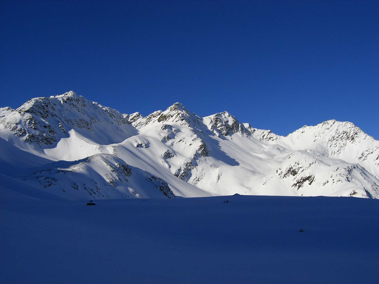 Foto: Thomas Paschinger / Skitour / Zwieselsbacher Roßkogel, 3081m / oberhalb des Kraspessees mit Blick zur Kraspesspitze / 07.02.2009 13:35:07