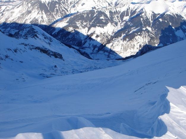 Foto: Manfred Karl / Ski Tour / Zwingscharte, 2760m - bzw. Hoher Tenn - Schneespitze, 3317m / Tiefblick in die Schmalzgrube / 21.12.2008 16:24:52