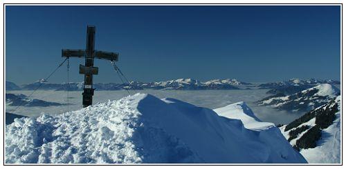 Foto: Troll_CZ / Ski Tour / Brechhorn, 2032m / Brechhorn - Gipfel Kreuz / 27.03.2009 01:27:45