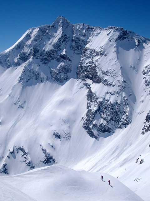 Foto: Grasberger Gerhard / Ski Tour / Hocharn, 3254m - von Kolm Saigurn / Der Sonnblick ist ein ständiger Begleiter.  / 13.05.2008 14:31:15