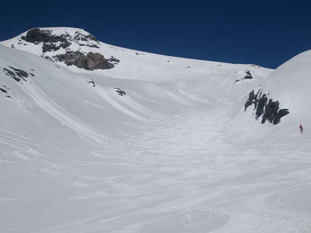 Foto: Grasberger Gerhard / Ski Tour / Hocharn, 3254m - von Kolm Saigurn / Eine der vielen Abfahrtsvarianten.  / 13.05.2008 14:30:37