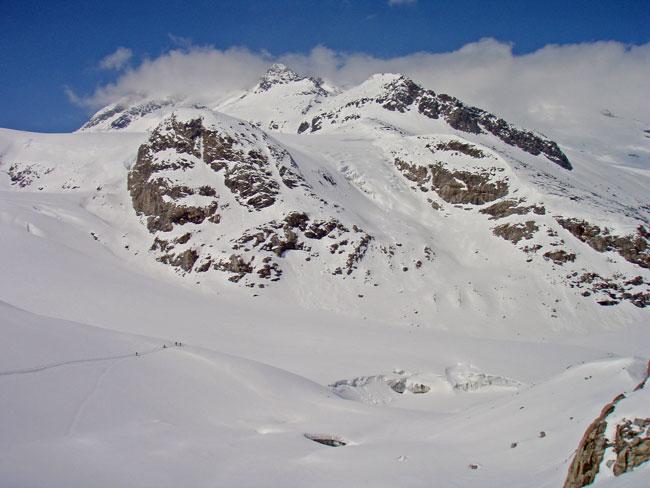 Foto: Grasberger Gerhard / Ski Tour / Großvenediger, 3666m - von Norden / Aufstieg im Bereich Gletschertor, Türkische Zeltstadt. / 04.05.2009 14:25:01