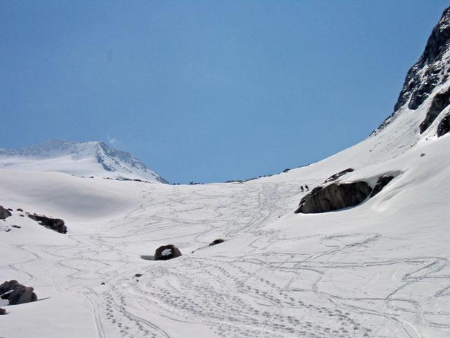 Foto: Grasberger Gerhard / Ski Tour / Großvenediger, 3666m - von Norden / Abfahrt im Bereich ehem. Türkische Zeltstadt. / 04.05.2009 14:20:25