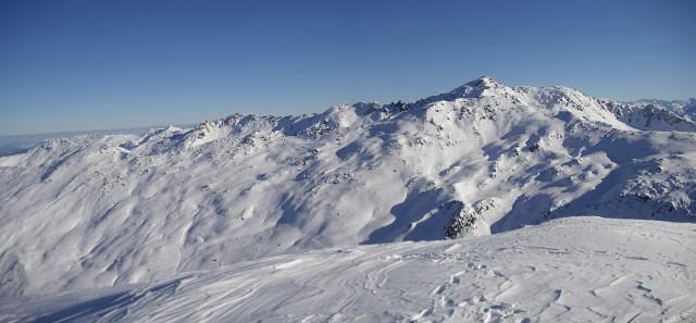 Foto: Wolfgang Lauschensky / Skitour / Rastkogel, 2761m / Blick vom Hobarjoch zum Rastkogel mit seinem Westgrat rechts / 15.01.2012 17:53:27