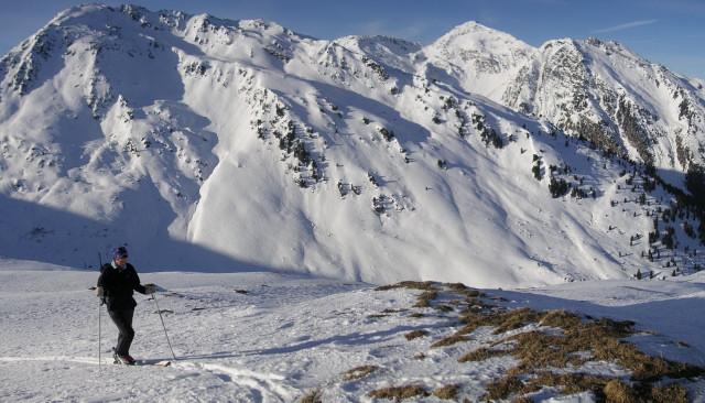 Foto: Wolfgang Lauschensky / Skitour / Rastkogel, 2761m / Anstieg zur Halslspitze vor Hobarjoch / 15.01.2012 17:53:05