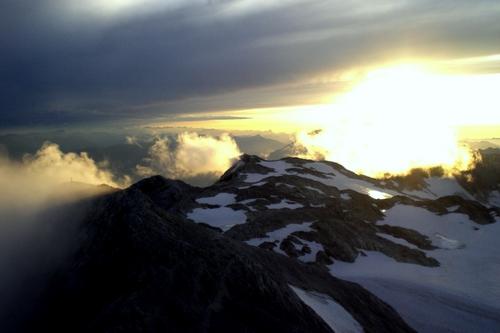 Foto: bymike / Ski Tour / Hochkönig, 2941m - über Mitterfeldalm / Sonnenuntergang auf dem Hochkönig / 10.08.2008 19:51:34
