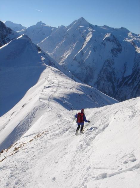 Foto: Manfred Karl / Ski Tour / Imbachhorn, 2470m / Links im Bild die etwas steilere Einfahrtsvariante in den Gipfelhang / 21.12.2008 16:45:58