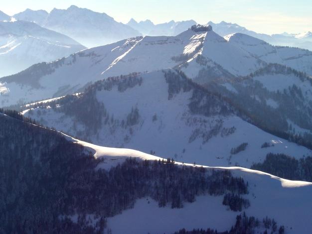 Foto: Manfred Karl / Ski Tour / Königsberghorn, 1621m / Blick über Regenspitz NO-Grat - Auhofköpfl zum Schmittenstein / 19.12.2008 17:30:06