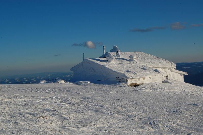 Foto: aschix / Ski Tour / Kaiserstein, 2061m, über den Fadensteig, Abfahrt: Breite Ries (3 Varianten) / 08.04.2011 19:45:19