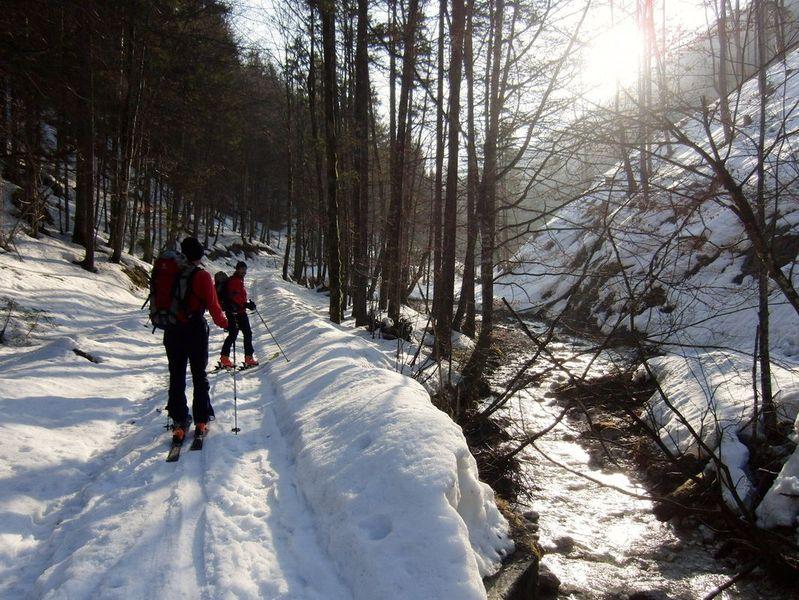 Foto: Walter Bröderbauer / Ski Tour / Hochsengs, 1838m / Zugang im Tal / 18.01.2013 20:52:49