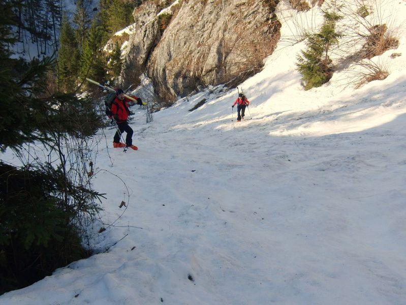 Foto: Walter Bröderbauer / Ski Tour / Hochsengs, 1838m / Beginn Aufstieg - enge Rinne / 18.01.2013 20:53:14