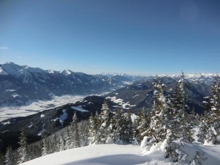 Foto: Karl Pacher / Ski Tour / Lahngangkogel, 1778m / Blickrichtung nach Westen ins Paltental / 11.02.2013 09:23:31