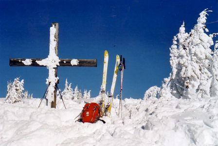 Foto: Karl Pacher / Ski Tour / Lahngangkogel, 1778m / Gipfelkreuz am Lahngangkogel / 11.02.2013 09:02:40