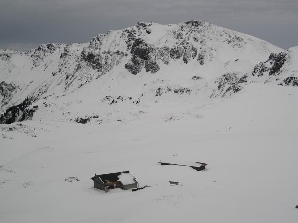 Foto: Heidi Schützinger / Skitour / Gamshag, 2178m / Blick auf Toralm und Gaißstein  / 07.01.2011 13:11:59