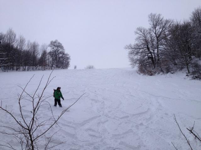 Foto: Martin Reingruber / Ski Tour / Hoher Lindkogel, 834m / Snowboardeignung nur bedingt, da ca. 3 kleine Gegenanstiege drin sind. / 23.02.2013 20:04:11