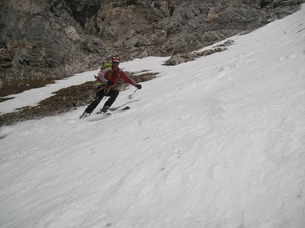 Foto: Heidi Schützinger / Ski Tour / Admonter Kalbling - über Kaiserau und Oberst-Klinke-Hütte / Abfahrt am 8. März 2011 durchs Eisloch / 08.03.2011 18:50:52