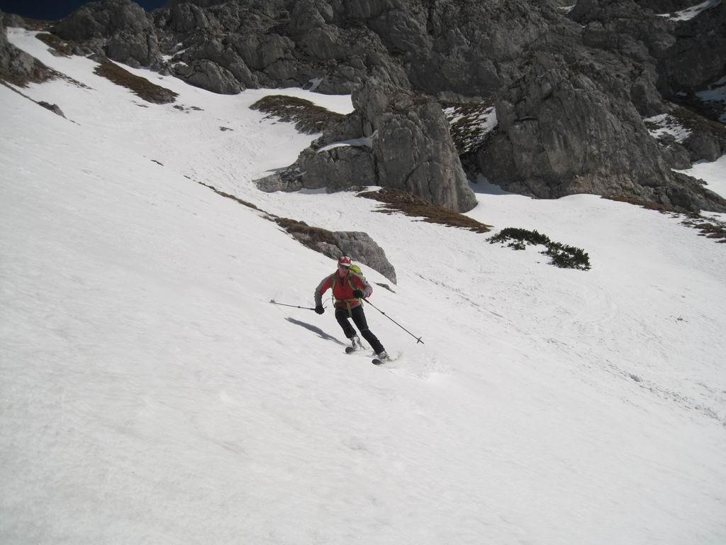 Foto: Heidi Schützinger / Ski Tour / Admonter Kalbling - über Kaiserau und Oberst-Klinke-Hütte / Abfahrt durchs Eisloch heute am 8. März 2011 bei idealen Bedingungen  / 08.03.2011 18:49:25