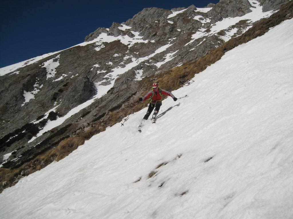 Foto: Heidi Schützinger / Ski Tour / Admonter Kalbling - über Kaiserau und Oberst-Klinke-Hütte / Abfahrt durch das Eisloch bei idealen Firnbedingungen  / 08.03.2011 18:47:53